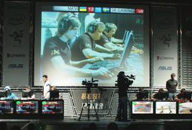 От обычного компьютерного клуба разросся до кибер арены мирового масштаба. Турниры и другие ивенты - фото (502-27427)